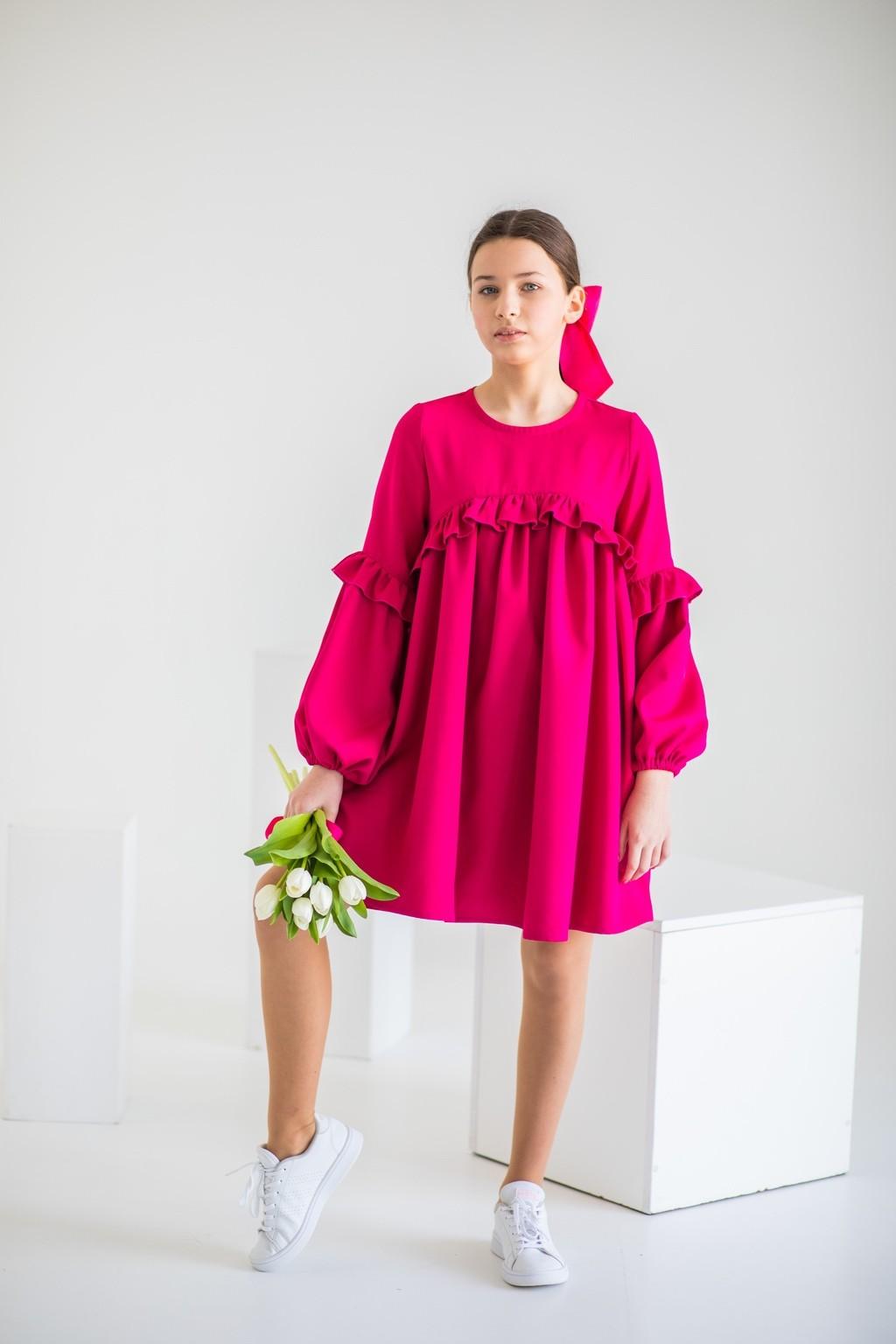Рожева сукня з об'ємними рукавами